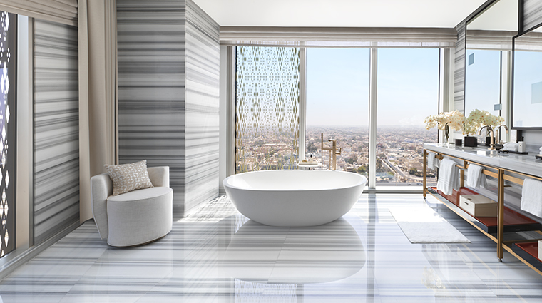 four seasons hotel kuwait at burj alshaya State Suite Bathroom