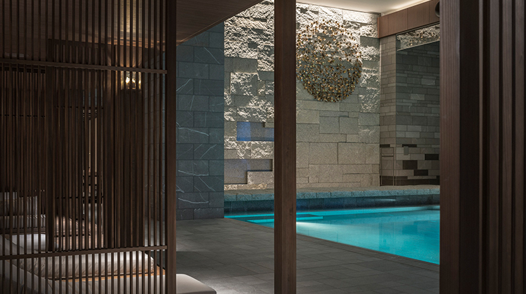 four seasons hotel kyoto pool lounge