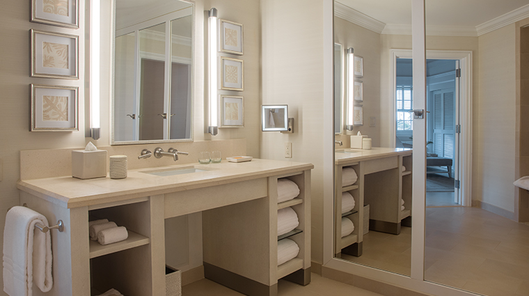 four seasons lanai at koele bathroom