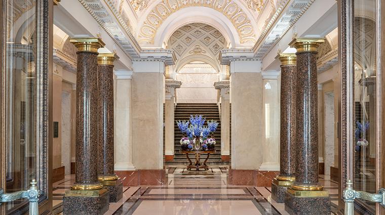four seasons hotel lion palace st petersburg entrance