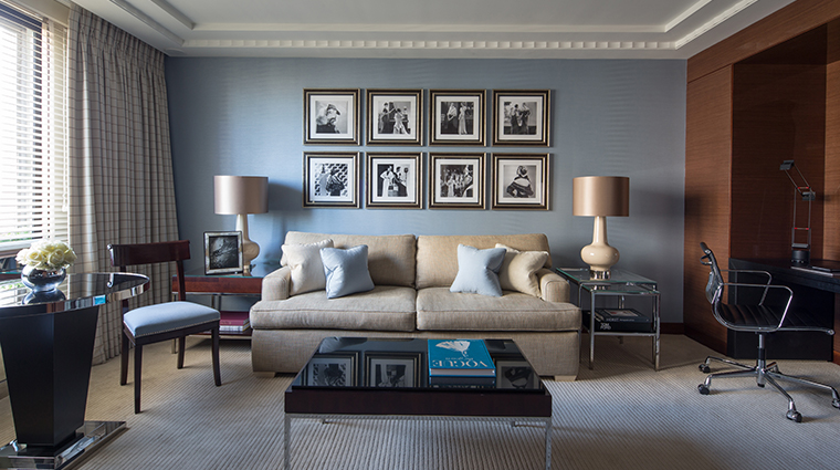 four seasons hotel london at park lane blue living room