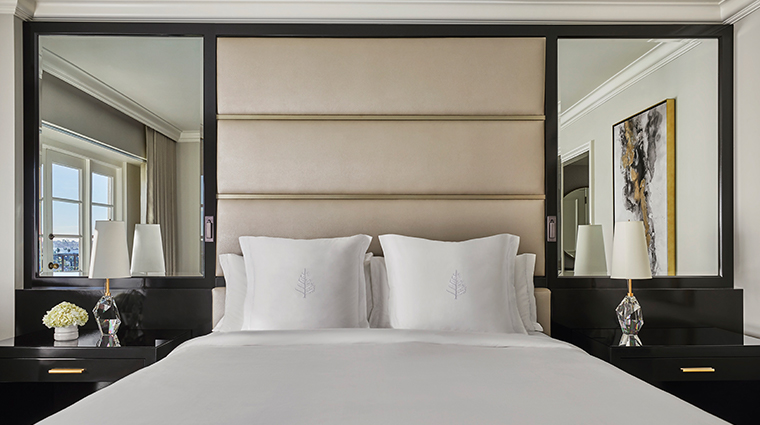 four seasons hotel los angeles at beverly hills bedroom close up of bed