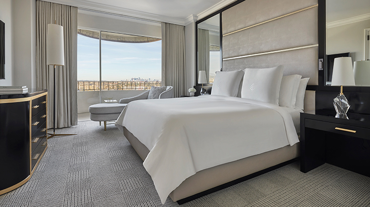four seasons hotel los angeles at beverly hills bedroom