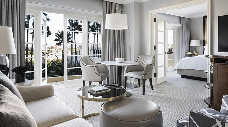 four seasons hotel los angeles at beverly hills california suite living room