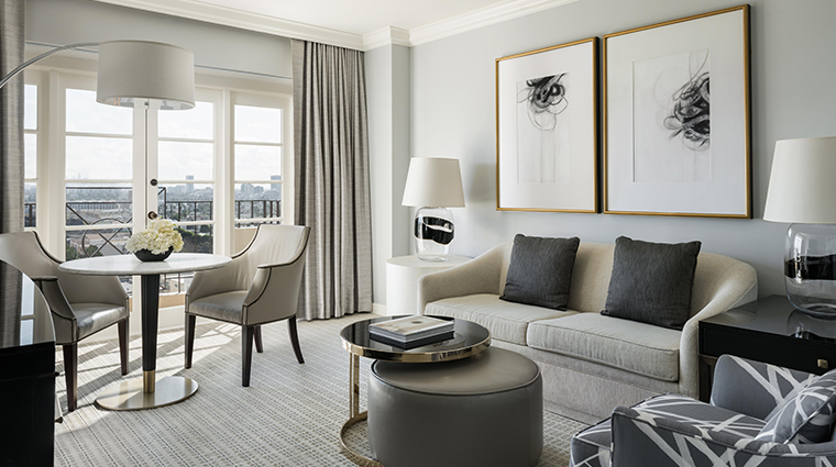 four seasons hotel los angeles at beverly hills hollywood suite living room