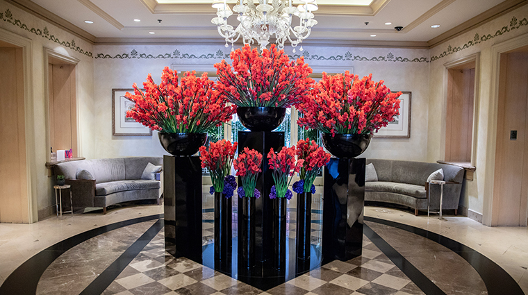 four seasons hotel los angeles at beverly hills lobby flowers
