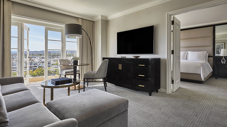 four seasons hotel los angeles at beverly hills suite