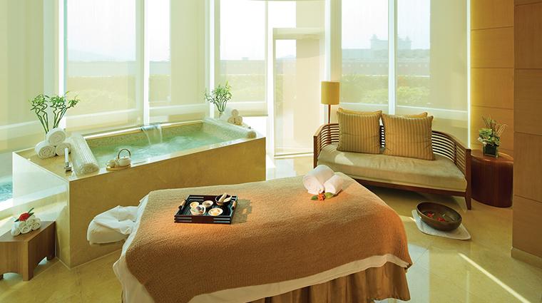 four seasons hotel macao cotai strip treatment room