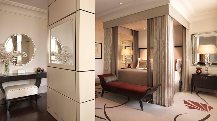 four seasons hotel moscow royal suite bedroom