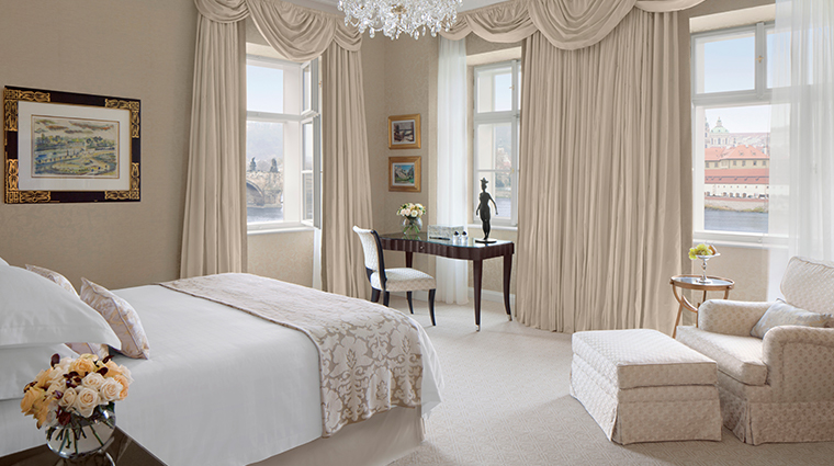 four seasons hotel prague premier suite bedroom classical