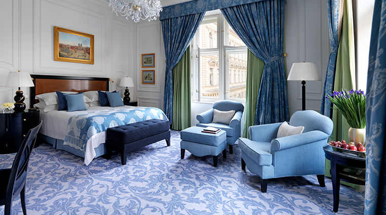 four seasons hotel prague renaissance room