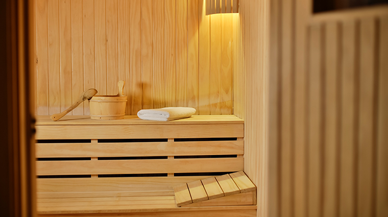 four seasons hotel singapore sauna