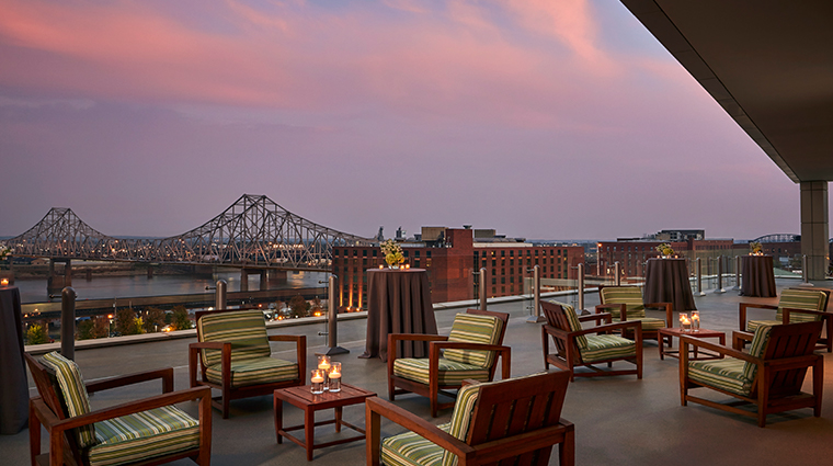 four seasons hotel st louis dusk