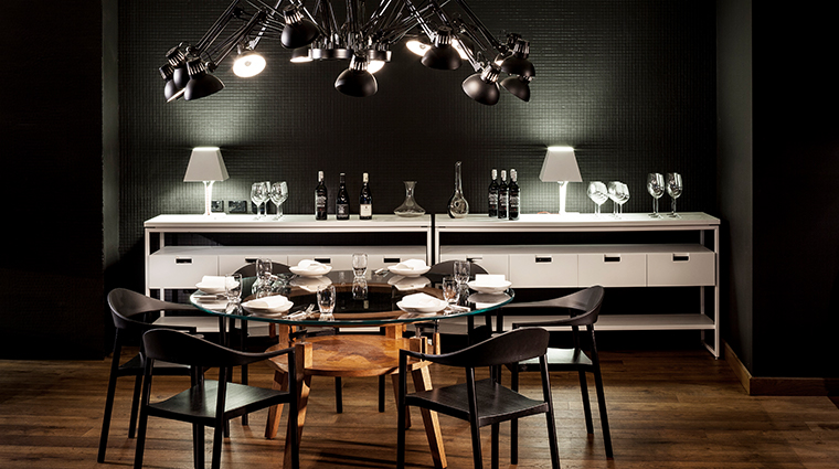 four seasons hotel sydney Pei Modern Dining Table