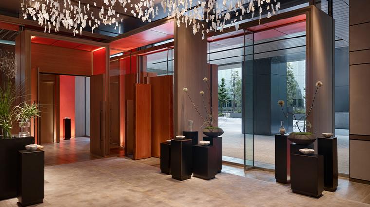 four seasons hotel tokyo at otemachi lobby