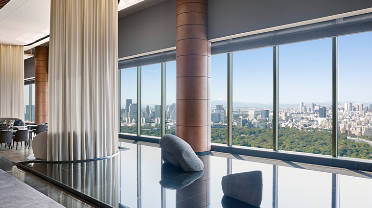 four seasons hotel tokyo at otemachi view2