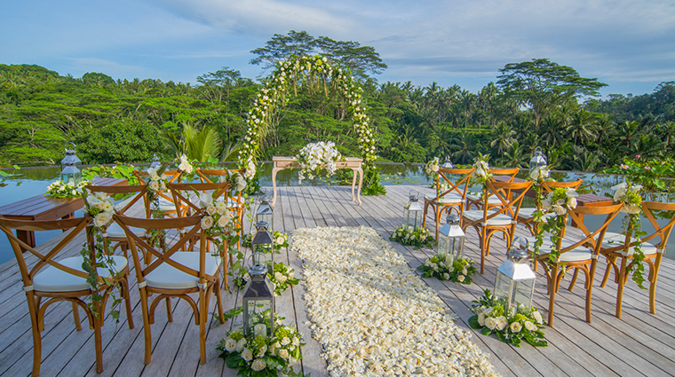 four seasons resort bali at sayan wedding setup