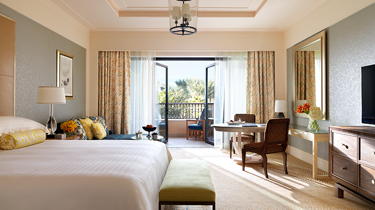 four seasons resort dubai at jumeirah beach deluxe room