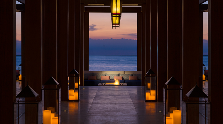 four seasons resort dubai at jumeirah beach sunset lounge area