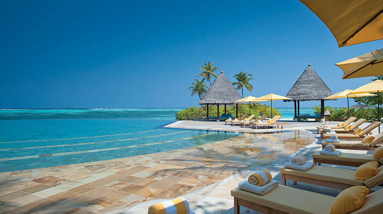 four seasons resort maldives at kuda huraa infinity pool