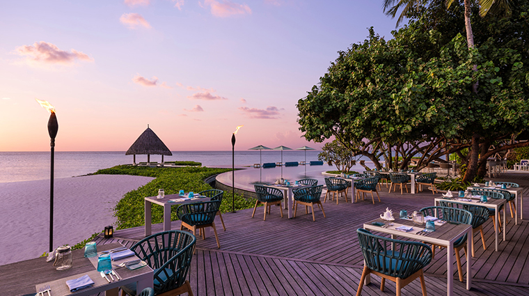 four seasons resort maldives at kuda huraa outdoor dining