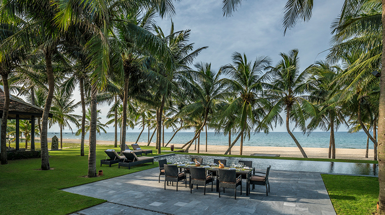 four seasons resort the nam hai hoi an meal by the beach