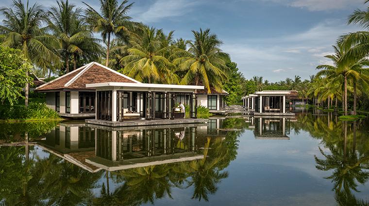 four seasons resort the nam hai hoi an spa treatment room