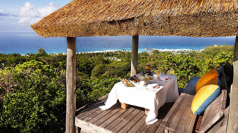fregate island private high tea2