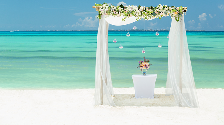 grand fiesta americana coral beach cancun beach wedding