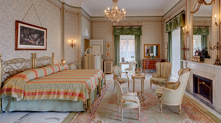 grand hotel excelsior vittoria Caruso suite