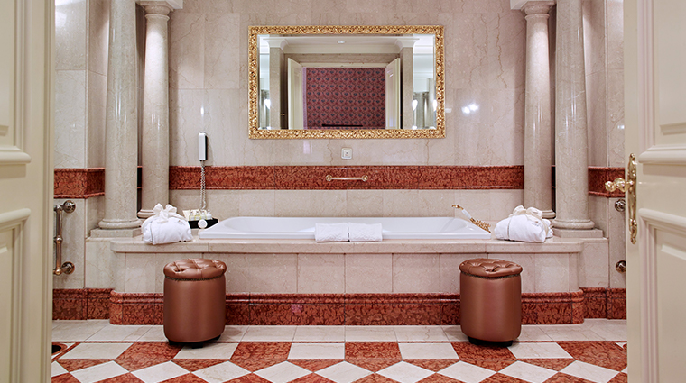 grand hotel wien presidential suite bathroom