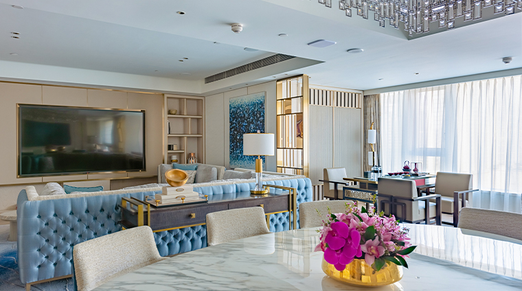 grand suites at four seasons hotel macao cotai strip dynasty uite living room