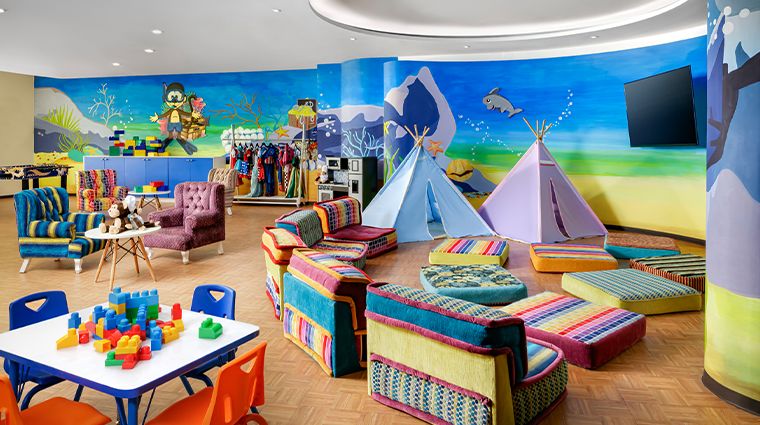 grand velas riviera maya kids club