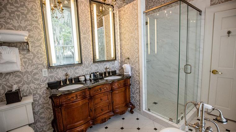 hamilton turner inn James Olgethorpe bathroom
