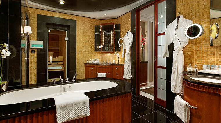Adlon Kempinski suite bathroom