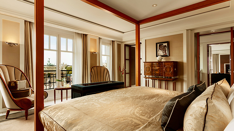 Adlon Kempinski suite bedroom