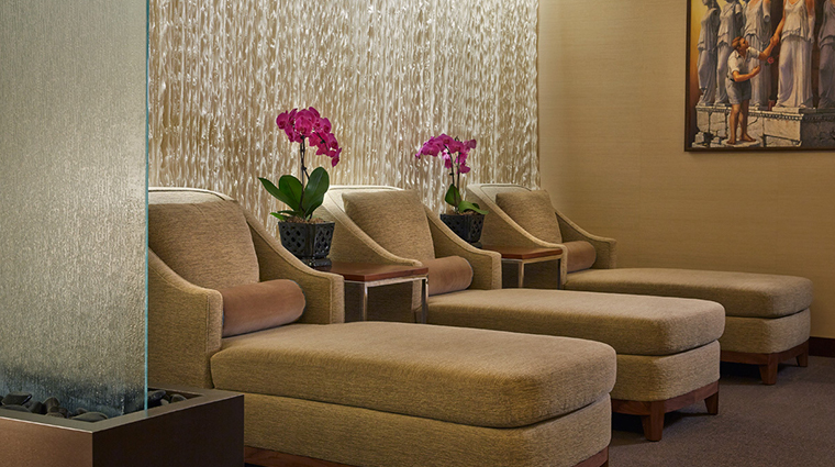 hotel arista loungers