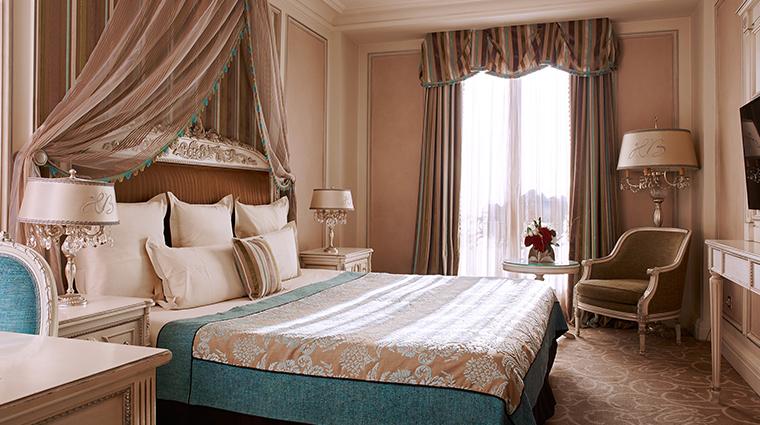 hotel balzac superior room angle