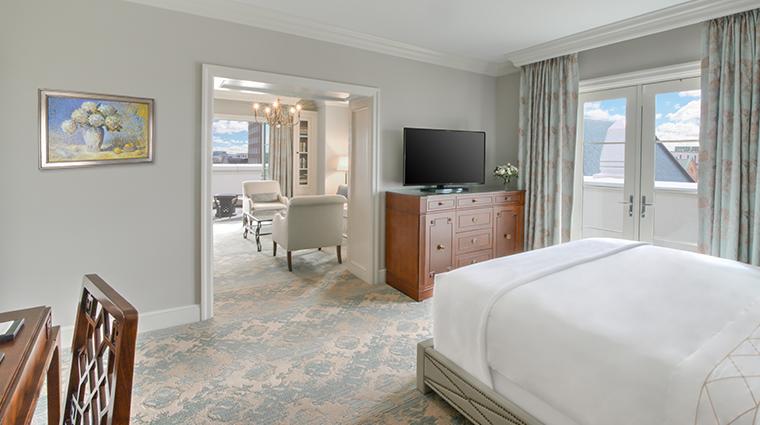 hotel bennett ambassador suite