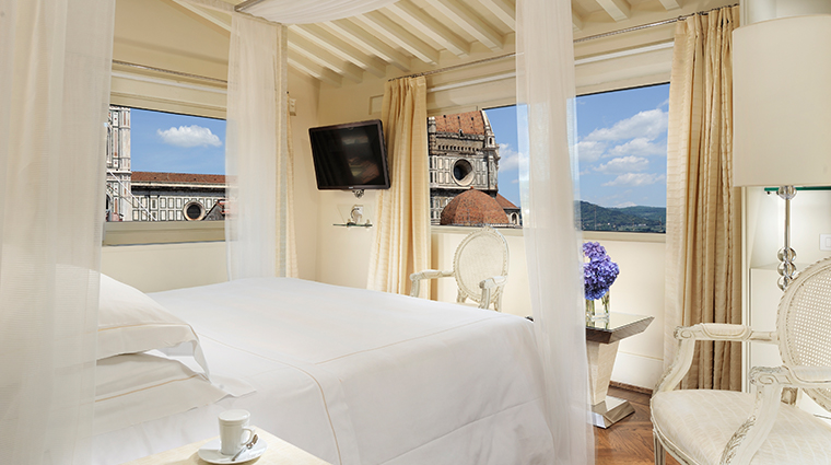 hotel brunelleschi pool suite bedroom