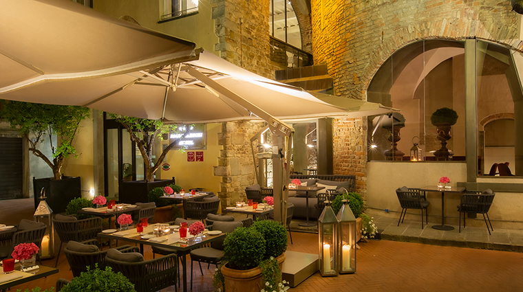 hotel brunelleschi seasonal outdoor patio