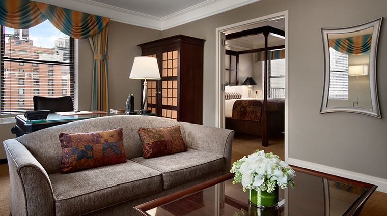 Hotel Chandler living room