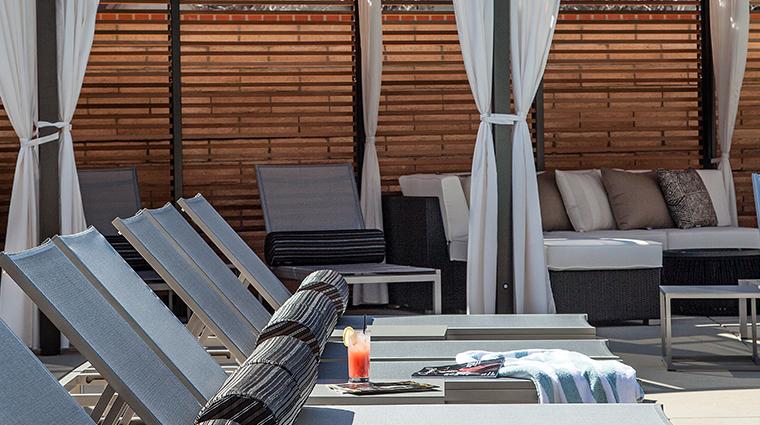 hotel corque pool