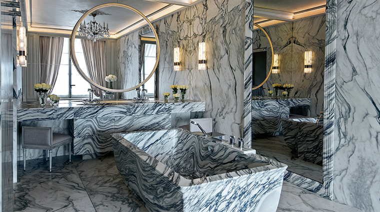 hotel de crillon a rosewood hotel Grands Appartements Concorde bathroom
