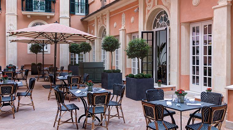 hotel de la ville courtyard