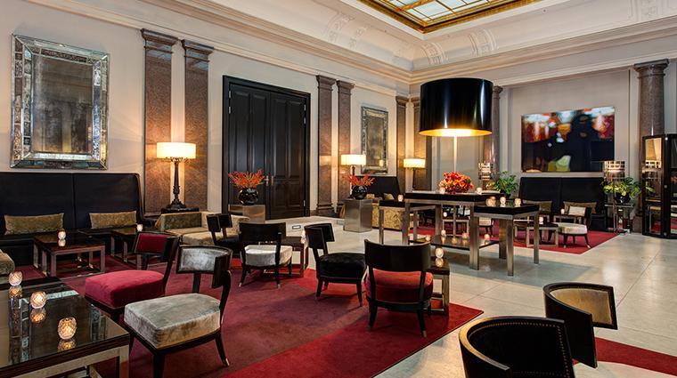 Hotel de Rome opera court