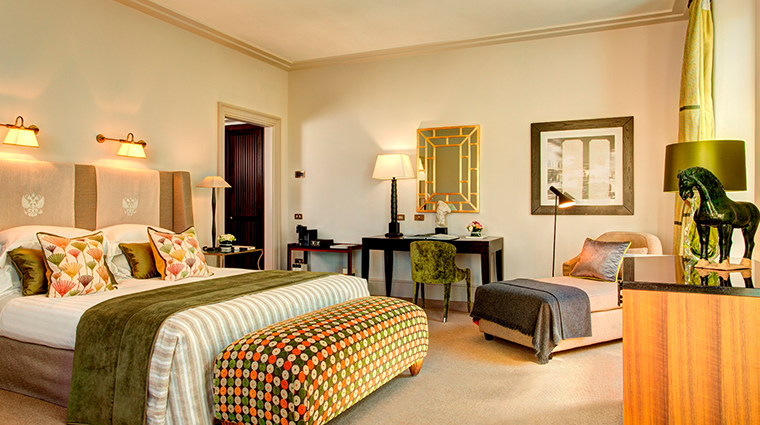 Hotel de Russie junior suite