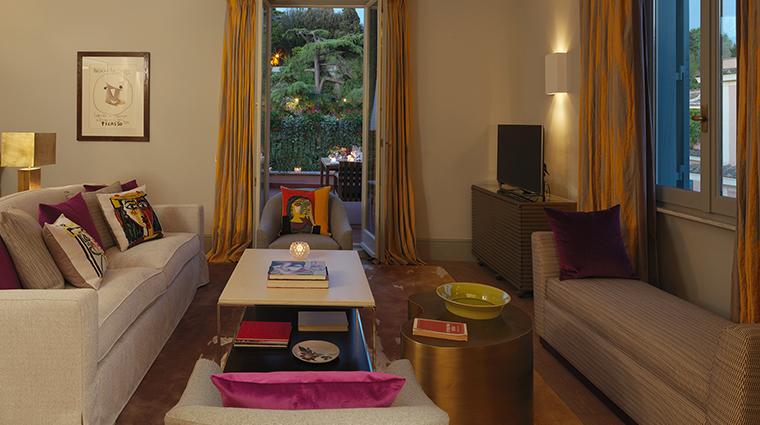 Hotel de Russie picasso suite living room