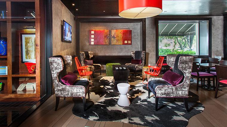 hotel derek revolve kitchen and bar