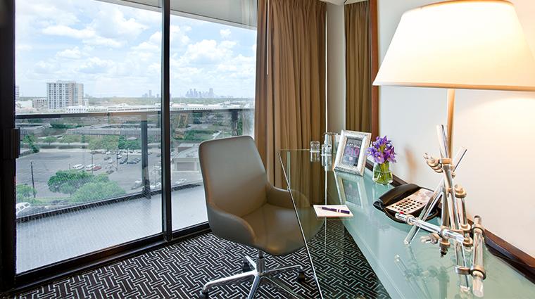 hotel derek terrace suite office